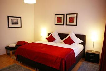neue ferienwohnung 5 sterne loge 1 mit moselblick gro er balkon und internet. Black Bedroom Furniture Sets. Home Design Ideas